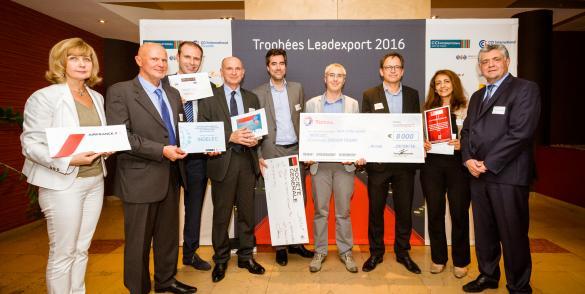 Remise du chèque aux lauréats Leadexport en présence de Gérard Lechenault, délégué régional Hauts de France Normandie.